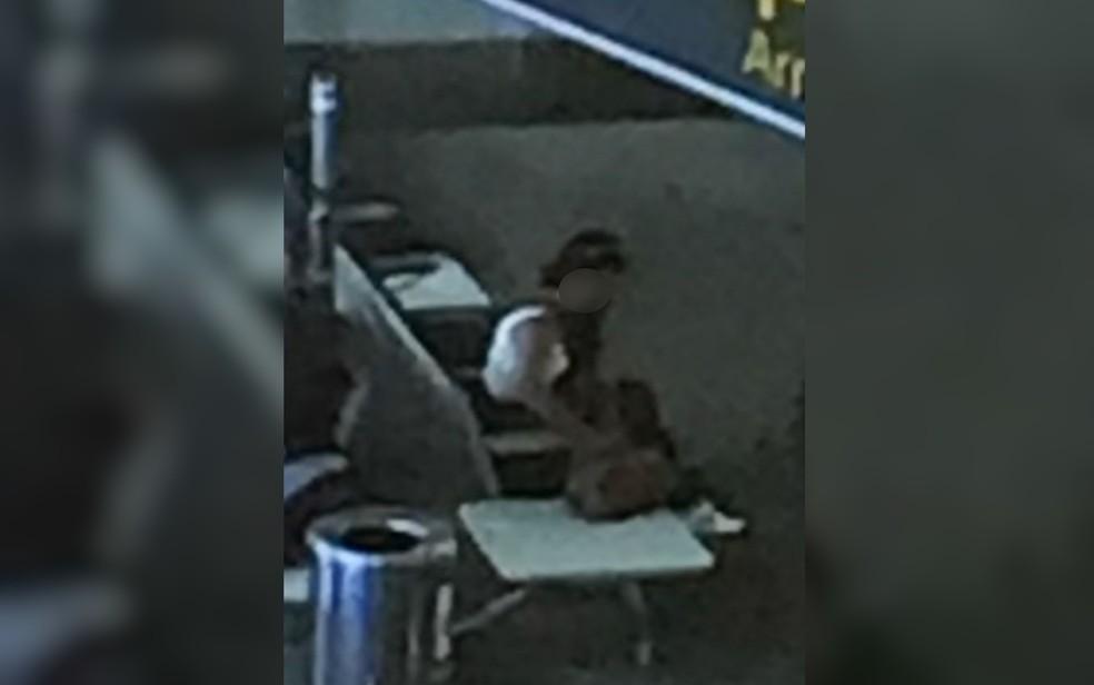 Mulher presa suspeita de fingir sequestro foi filmada em aeroporto (Foto: Divulgação/Polícia Civil)