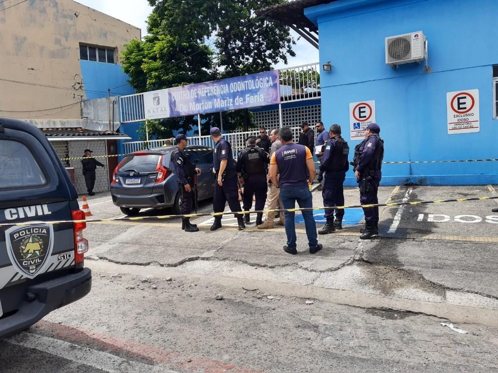 Guarda municipal morre após troca de tiros no bairro da Ribeira, Zona Leste de Natal — Foto: Lucas Cortez/Inter TV Cabugi
