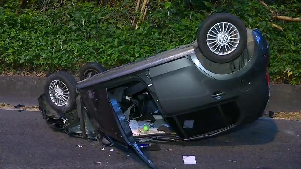 Motorista morreu em colisão entre dois carros no Túnel Zuzu Angel, no Rio — Foto: Reprodução/ TV Globo