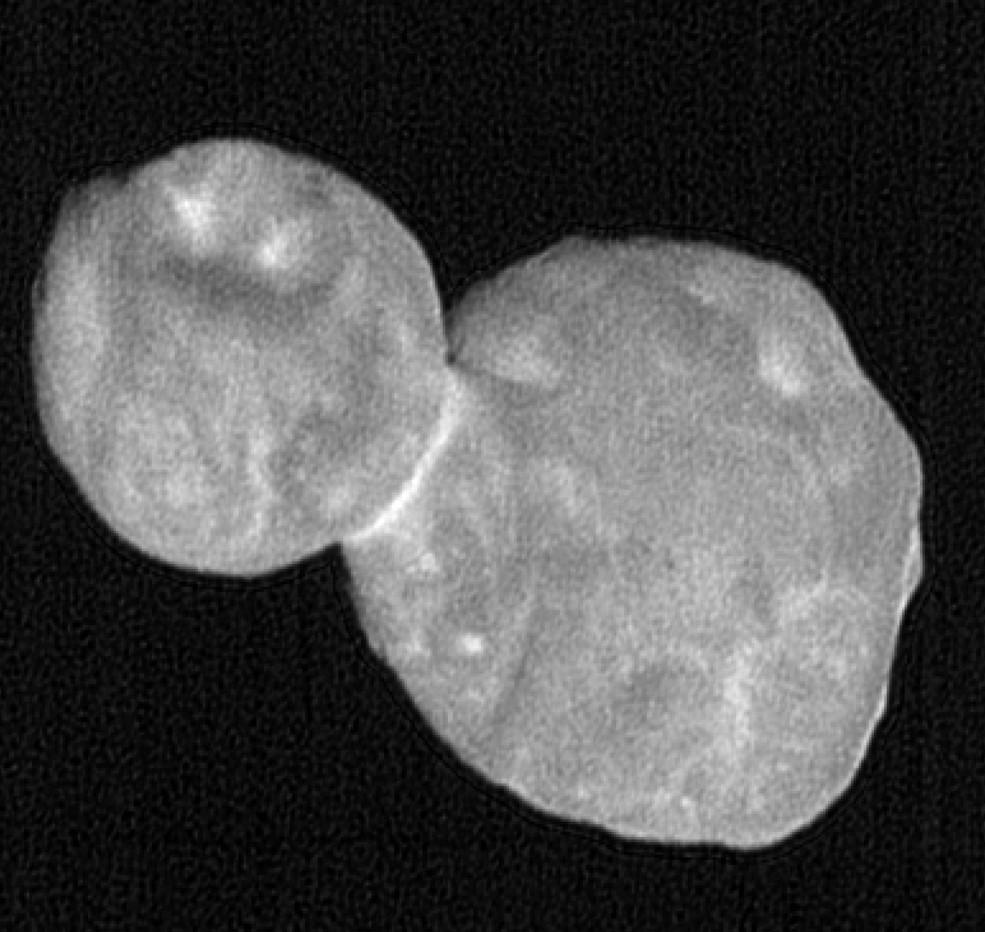 Esta foto é uma composição de sete imagens de Ultima Thule (Foto:  NASA/Johns Hopkins Applied Physics Laboratory/Southwest Research Institute, National Optical Astronomy Observatory)