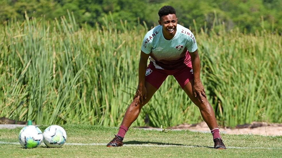 Volante Wellington em treino do Fluminense — Foto: MAILSON SANTANA/FLUMINENSE FC