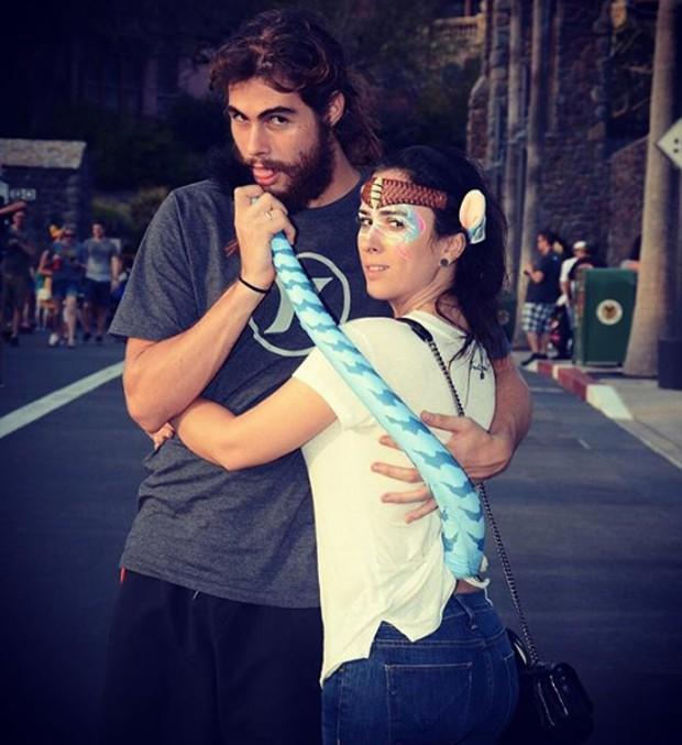 Tatá Werneck e Rafael Vitti na Disney (Foto: Reprodução/Instagram)