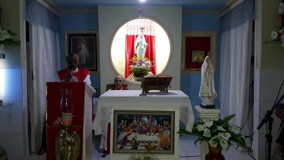 Um quadro de santa ceia foi furtado da capela Nossa Senhora Rainha da Paz em Juazeiro do Norte. — Foto: Arquivo Pessoal