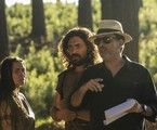 O diretor Edgard Miranda orienta Juliana Boller e Carlo Porto em 'Gênesis' | Edu Moraes/Record