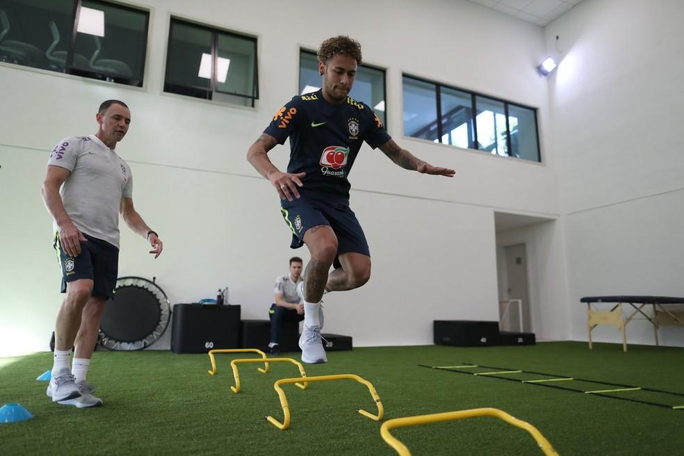 Neymar está concentrado com o Brasil na Granja Comary (Foto: Lucas Figueiredo/CBF)