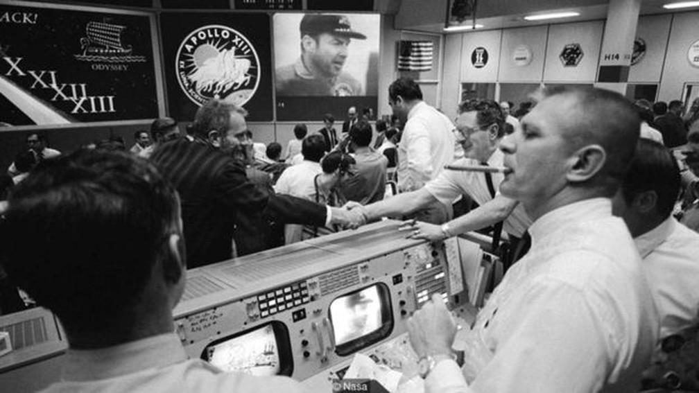 O Controle da Missão estava em Houston, Texas — Foto: Divulgação/Nasa