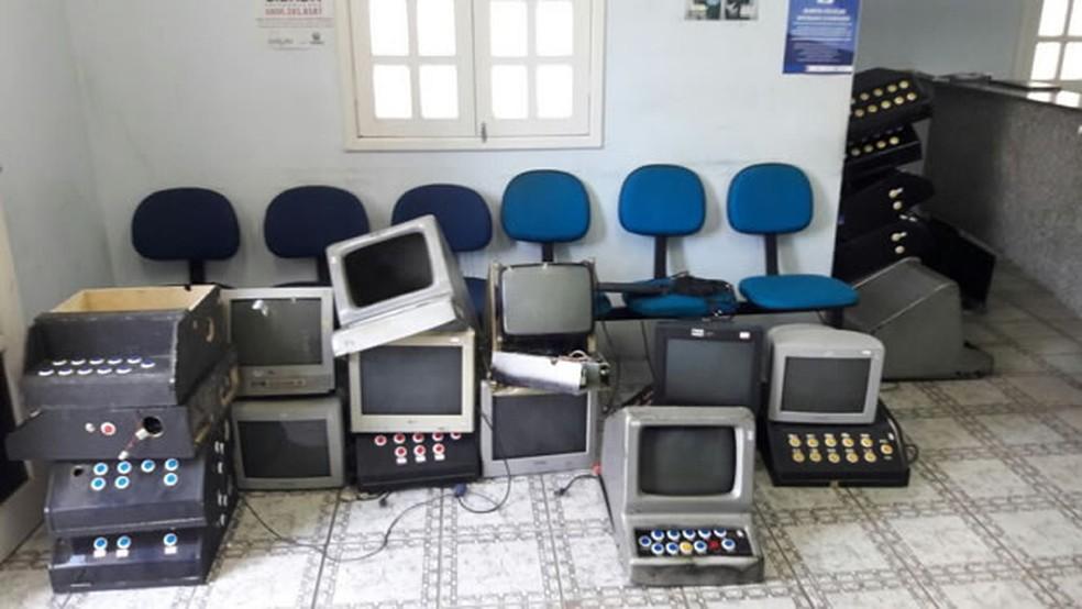Material foi apreendido em quatro casas em Garanhuns (Foto: Reprodução/Blog Agreste Violento)