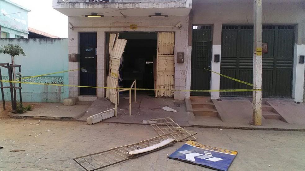 Agência dos Correios após explosão em Quixaba (Foto: Polícia Federal/Divulgação)