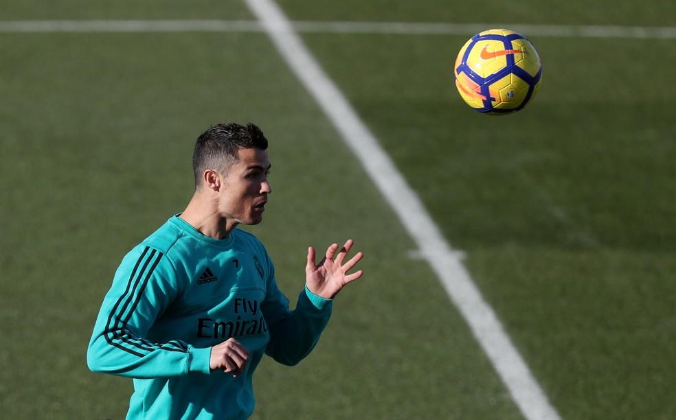 Cristiano Ronaldo no treino do Real Madrid desta sexta-feira (Foto: Reuters)