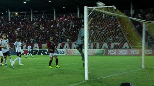 Das vaias aos aplausos, Vitinho bota a cara para jogo no Flamengo e realiza meia profecia de Abel