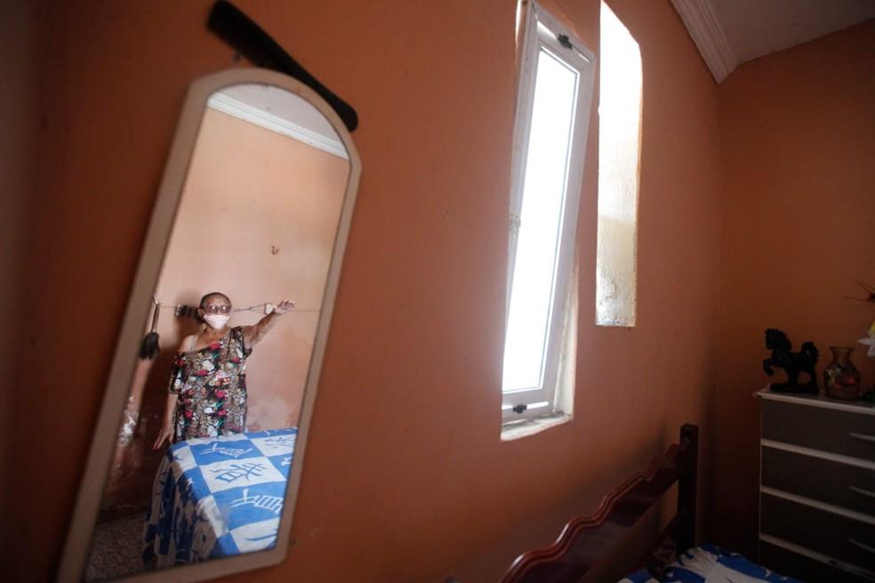 Residências do bairro foram danificadas com explosão. — Foto: Kid Júnior/SVM