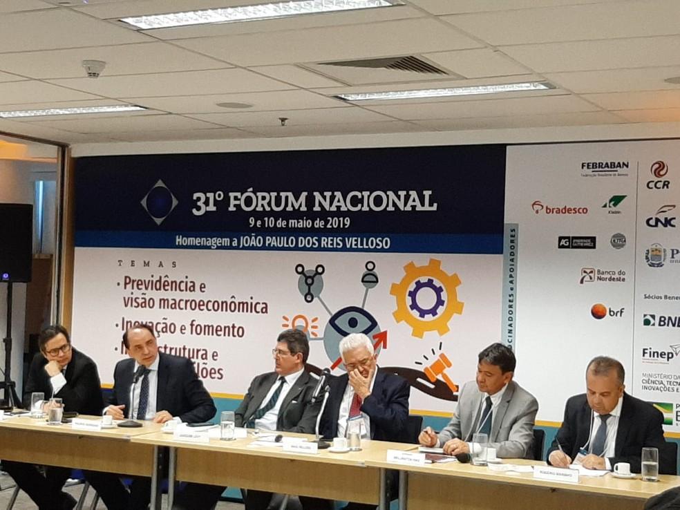 Participantes do 31º Fórum Nacional, no Rio, nesta quinta-feira (9) — Foto: Daniel Silveira/G1