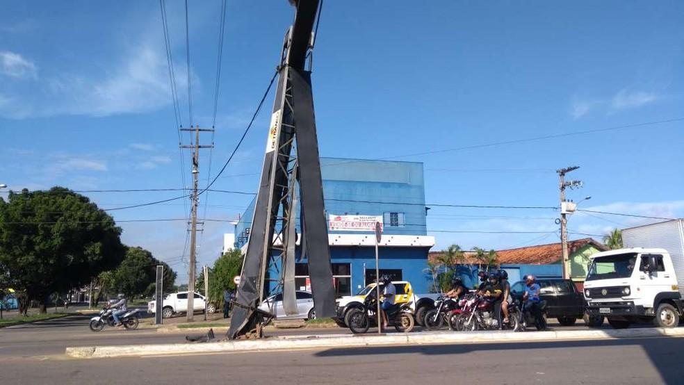 Trânsito ficou lento em Ji-Paraná, RO, após acidente  — Foto: Gedeon Miranda/ G1