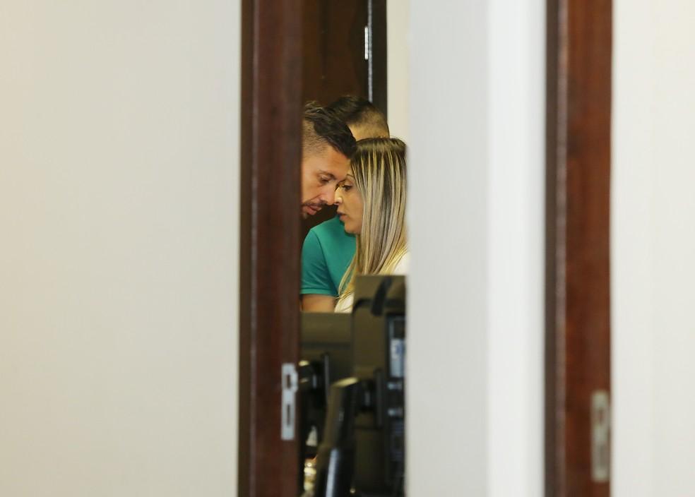 Edison e Cristiana Brittes — Foto: Giuliano Gomes/PRPress
