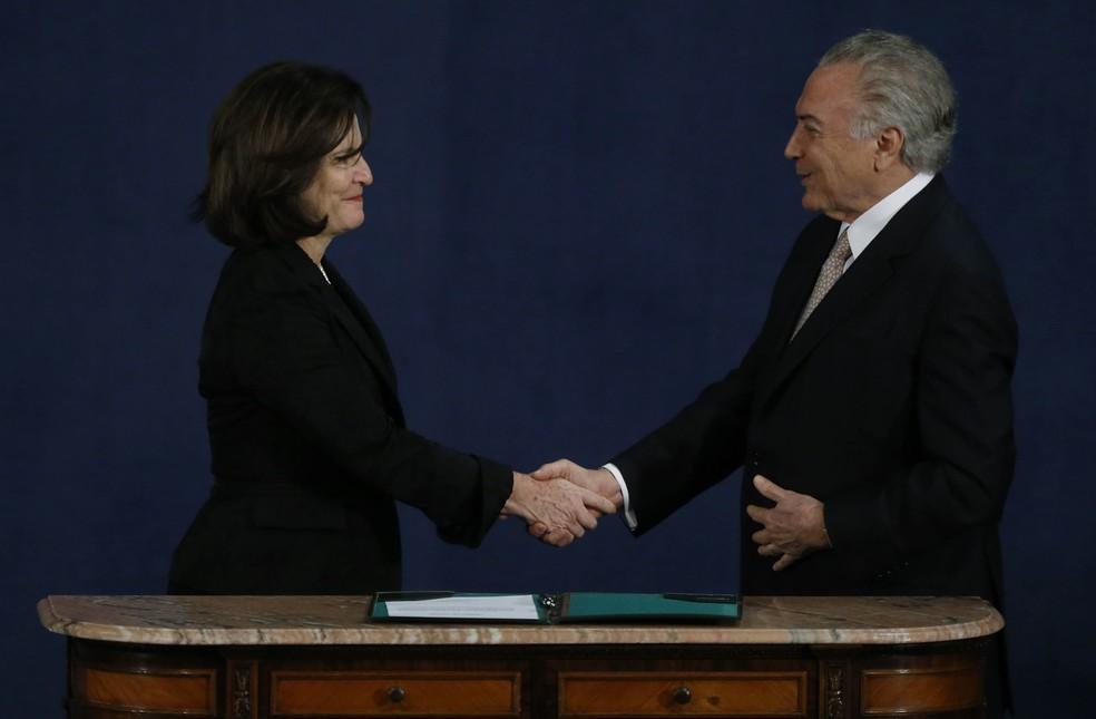 A procuradora-geral Raquel Dodge e o presidente Michel Temer durante a posse dela, em setembor (Foto: Dida Sampaio/Estadão Conteúdo)