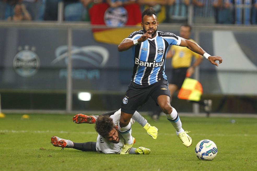 Fernandinho foi um dos persoonagens no Gre-Nal dos 5 a 0 (Foto: Lucas Uebel/Grêmio FBPA)