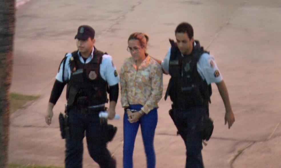 Cristiane Coelho é presa em Fortaleza (Foto: TV Verdes Mares/Reprodução)