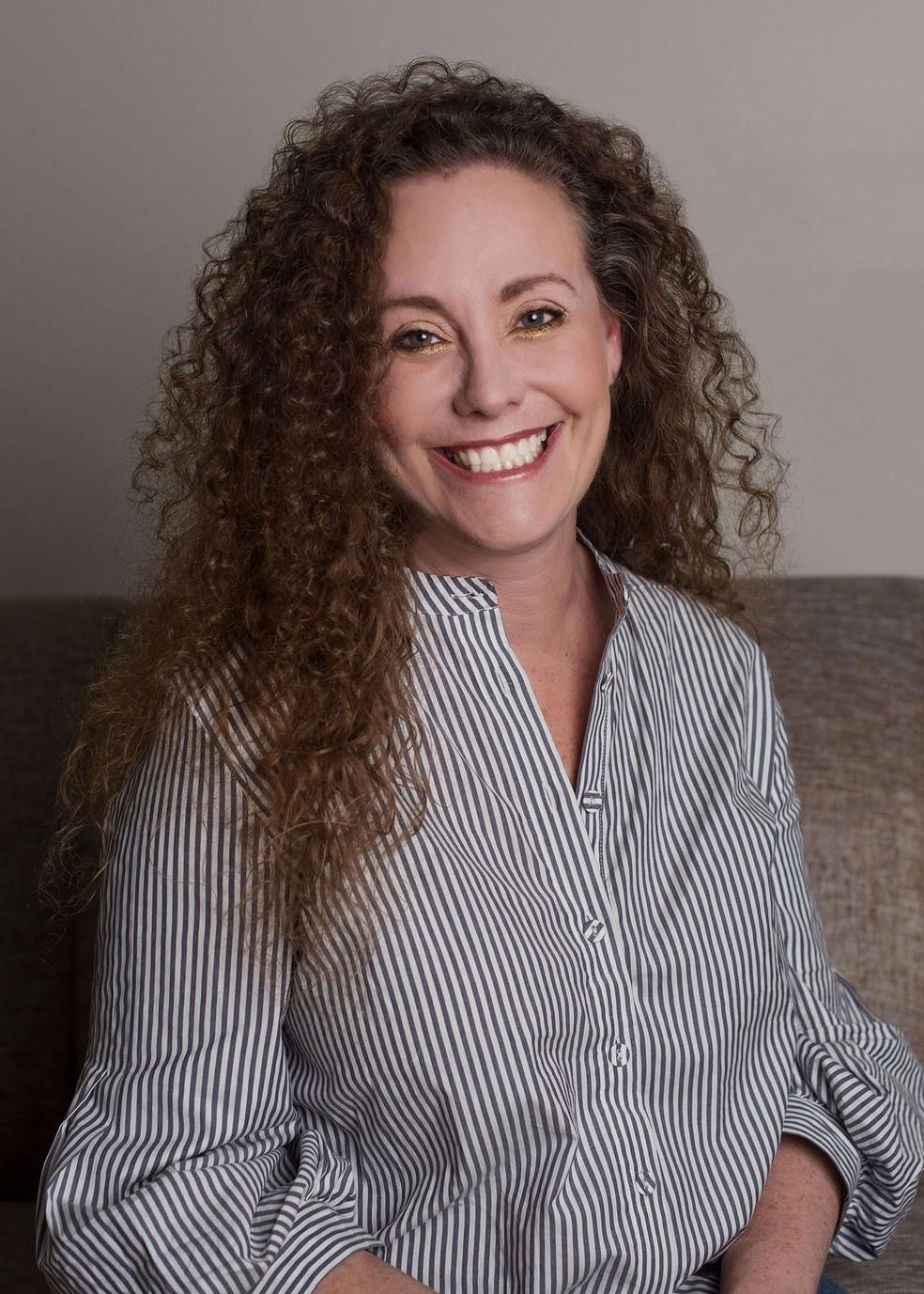 Julie Swetnick em foto divulgada por seu advogado — Foto: Michael Avenatti/Twitter