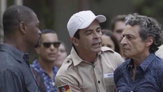Bento ofende Raul e acaba preso por injúria racial