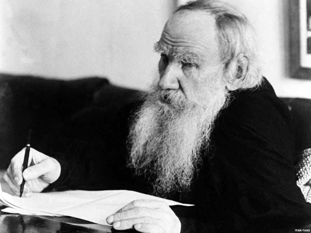Liev Tolstói |