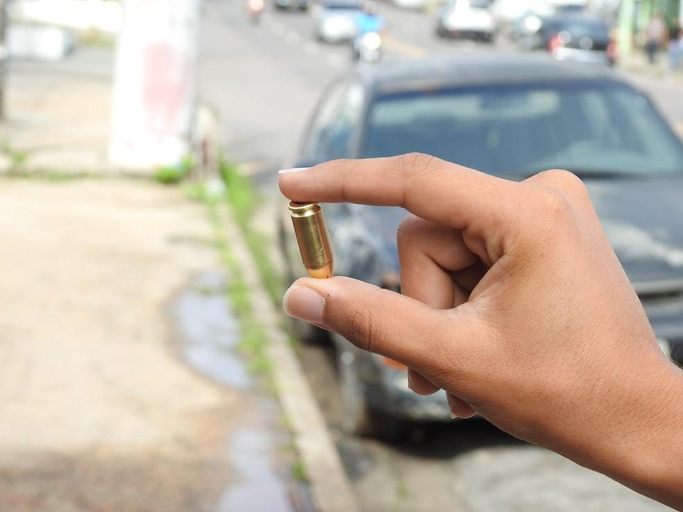 Aplicativo Fogo Cruzado contabilizou 411 ocorrências de disparo de arma de fogo em 100 dias, no Grande Recife (Foto: Adneison Severiano/G1)