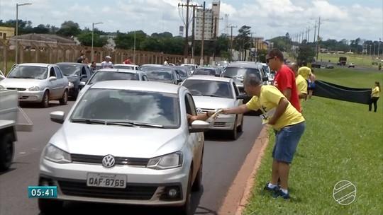 Com gasolina a R$ 2,65, brasileiros vão até o Paraguai para abastecer em forma de protesto