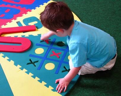 Crianças com necessidades especiais: 10 brincadeiras para fazer dentro de casa
