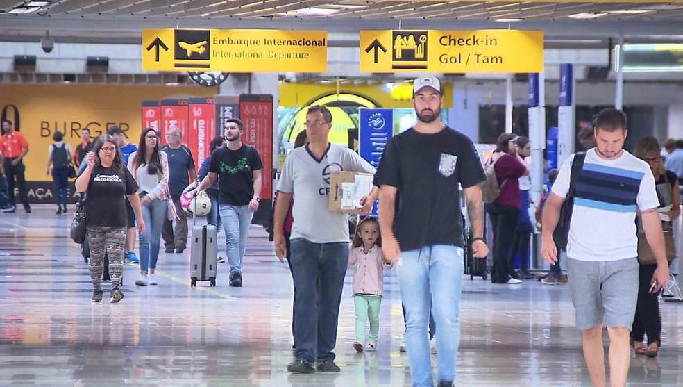 Afonso Pena e outros três aeroportos paranaenses devem ser privatizados no segundo semestre de 2020, de acordo com o governo federal — Foto: Reprodução/RPC