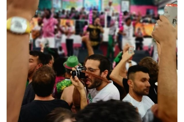 Humberto Carrão na Mangueira (Foto: Reprodução/Instagram)