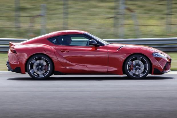 A despeito de ser baseado em um roadster, o Supra não terá versão conversível (Foto: Divulgação)