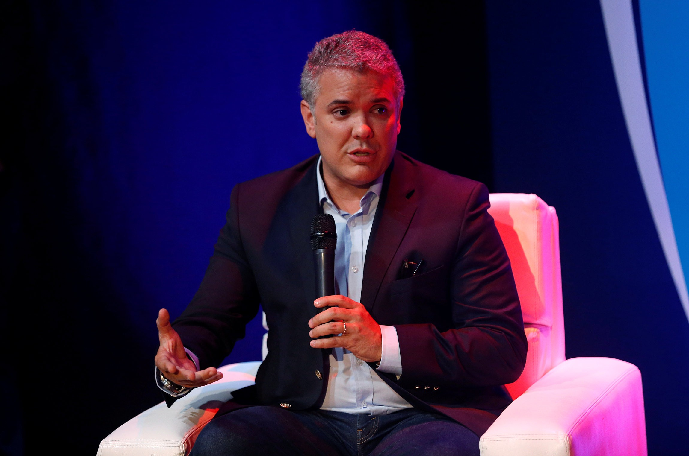 Iván Duque lidera pesquisas para eleições presidenciais da Colômbia
