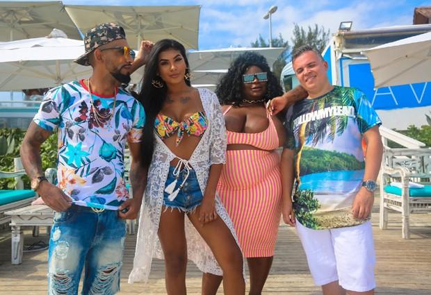 MC Pocahontas e Jojo Todynho com DJ Batata e DJ Lindão (Foto: Pop Funk/João Pedro Simões)