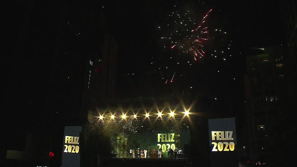 Fogos na Avenida Paulista — Foto: Reprodução/TV Globo