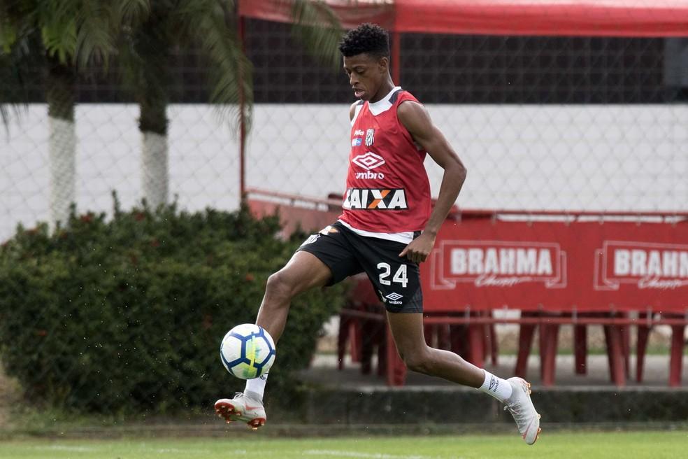 Robson Bambu será titular do Santos contra o Fluminense — Foto: Ivan Storti/Santos FC