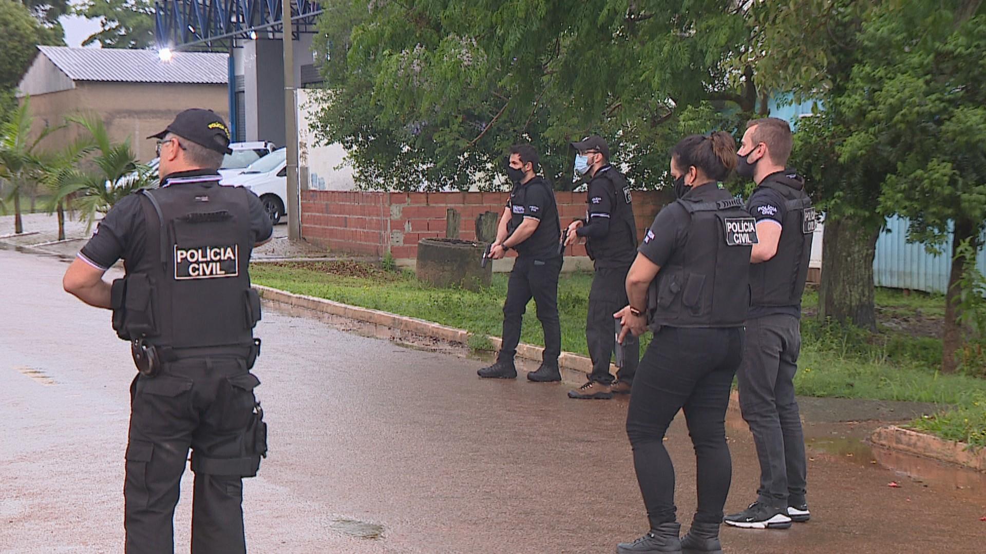 Polícia do RS prende grupo que vigiava órgãos de segurança pública e repassava informações a traficantes