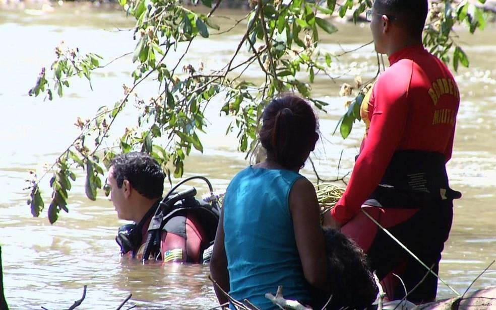 Dois adolescentes morrem afogados enquanto nadavam em rio de Luziânia (Foto: Reprodução/TV Anhanguera)