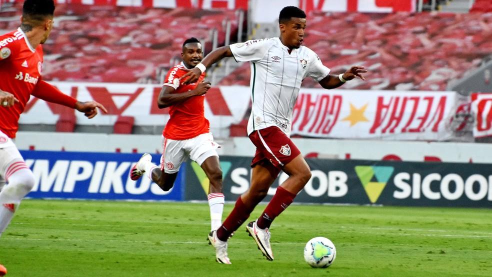 Marcos Paulo, do Fluminense, em ação contra o Inter — Foto: MAILSON SANTANA/FLUMINENSE FC