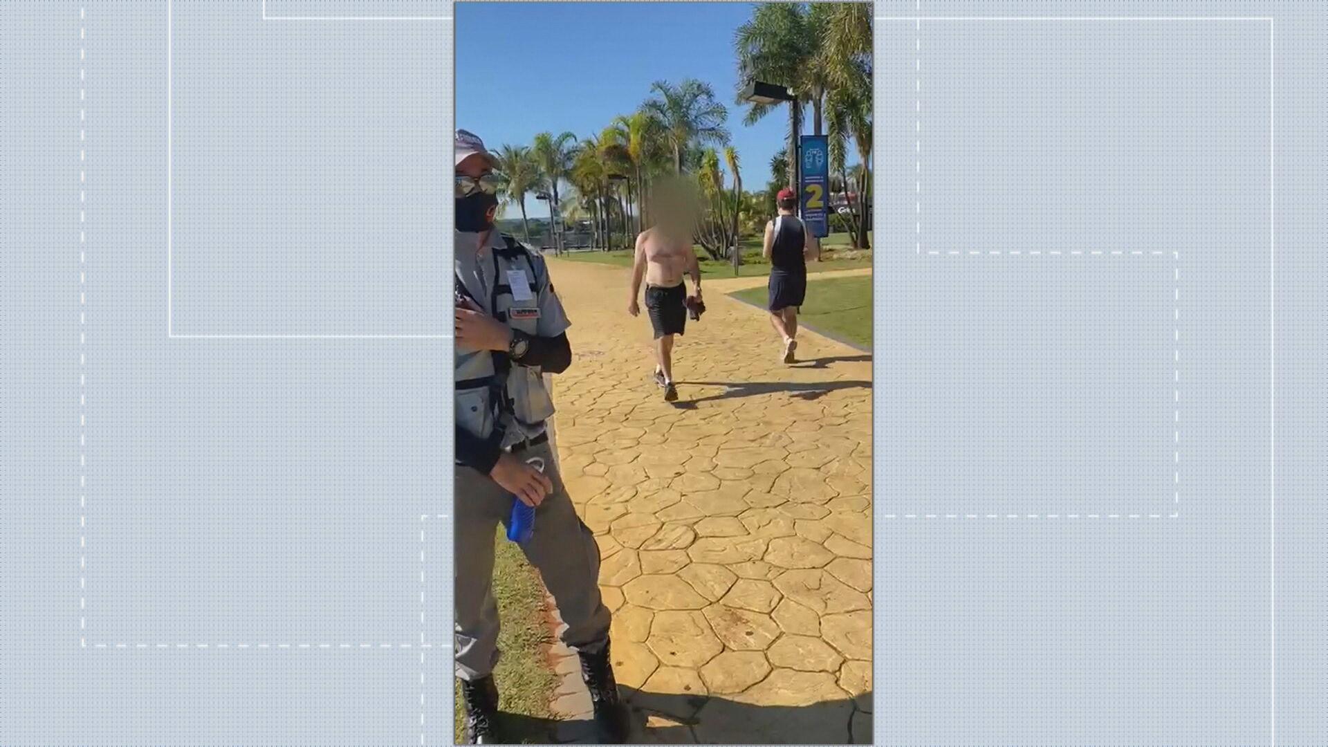 VÍDEO: mulher é repreendida por segurança ao usar a parte de cima do biquíni no Pontão do Lago Sul, em Brasília