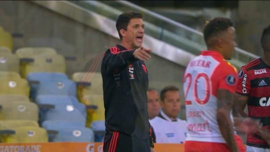 Comentaristas discutem troca de treinador e Júnior diz que Flamengo precisa mudar conceito