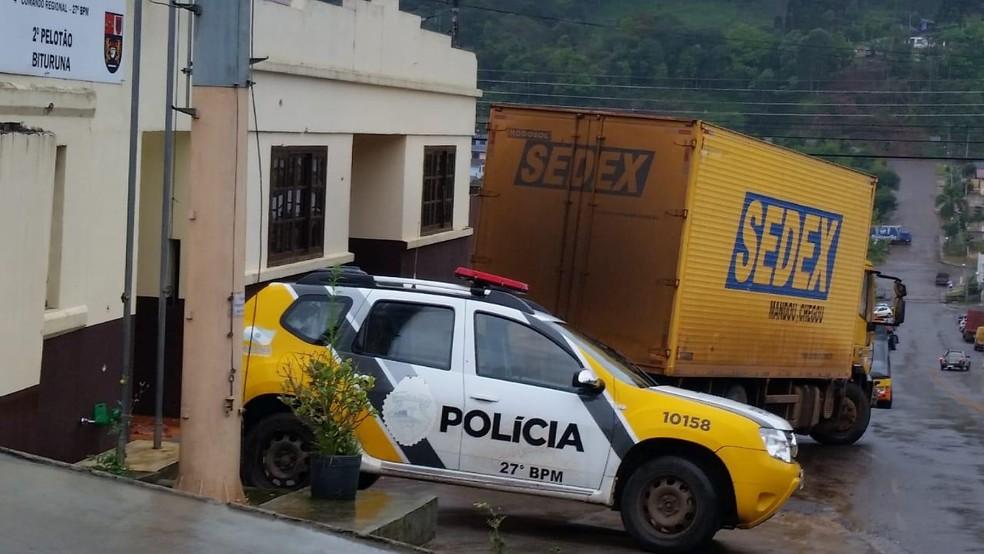 Criminosos usavam caminhão com pintura e emblema do Sedex — Foto: PF/Divulgação