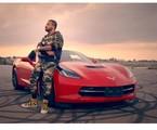 O corvette de Projota já apareceu no seu clipe, 'Celta vermelho'. O veículo custa cerca de R$ 250 mil | Reprodução