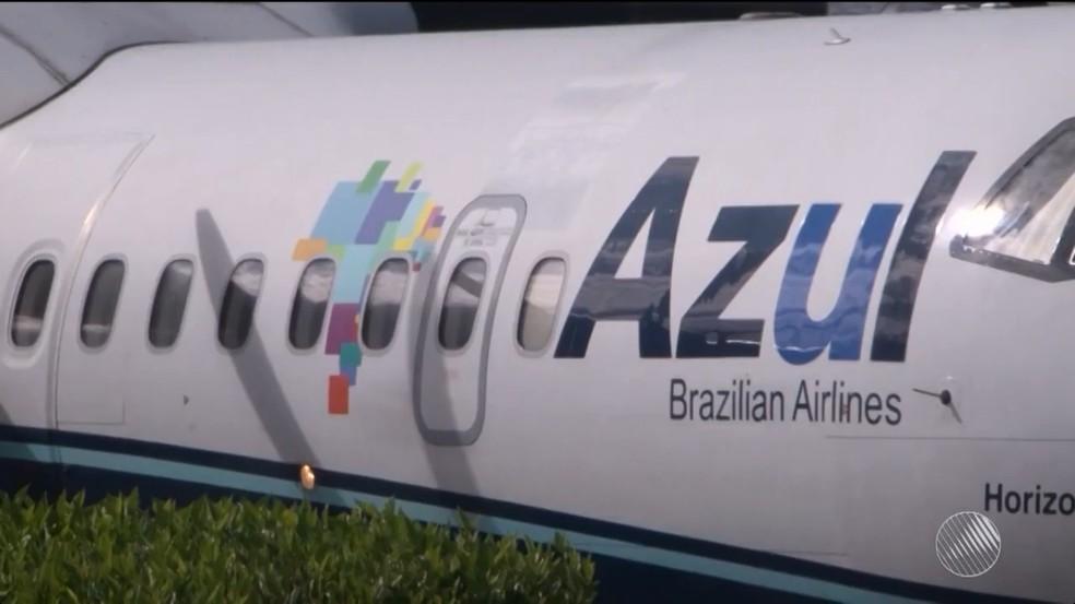 Empresa não autorizou embarque em avião de criança com paralisia na Bahia (Foto: Reprodução/TV Sudoeste)