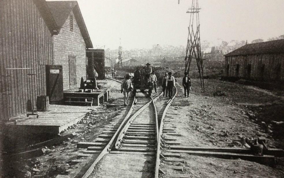 Pátio da Estrada de Ferro Madeira Mamoré em 1910 (Foto: Luiz Brito/Divulgação)