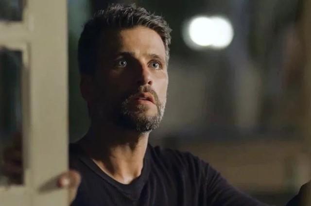 Bruno Gagliasso é Gabriel em 'O Sétimo Guardião' (Foto: TV Globo)
