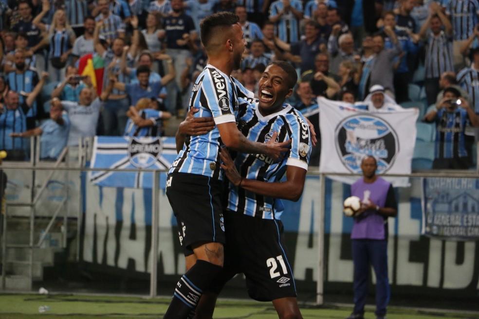 Matheus Henrique e Jean Pyerre ajudaram a melhorar rendimento — Foto: Eduardo Moura/GloboEsporte.com