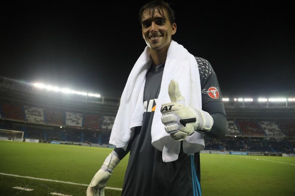 Procurado pelo Sport, César inicia conversas por renovação no Flamengo