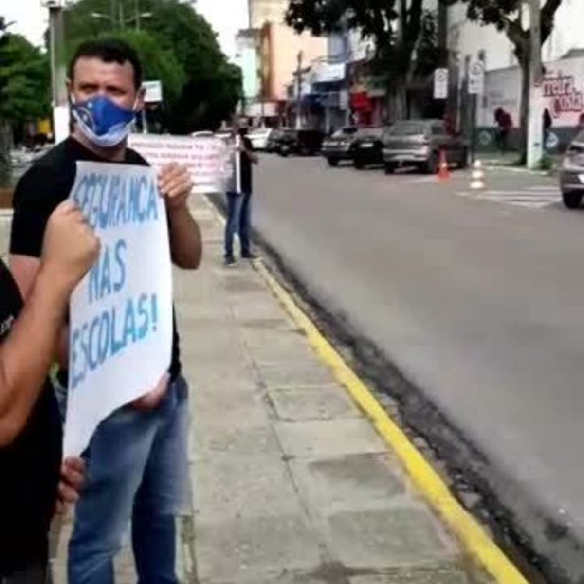 Aprovados em concurso protestam  por não serem nomeados ao cargo de guarda municipal em Garanhuns