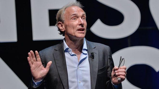 Tim Berners-Lee criou a internet em 1989, dois anos antes do lançamento do primeiro site (Foto: Getty Images via BBC News Brasil)