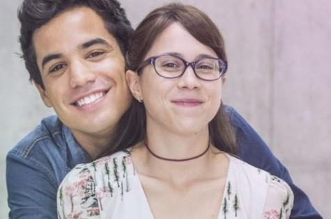 Bruno Gadiol e Daphne Bozaski como Guto e Benê, de 'Malhação' (Foto: Divulgação)