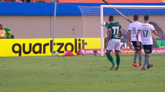 Análise: Botafogo tem bastante posse de bola, mas não leva perigo ao Goiás no Serra Dourada